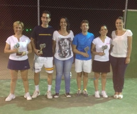 torneo mixto pádel, finalistas con alcaldesa y concejala