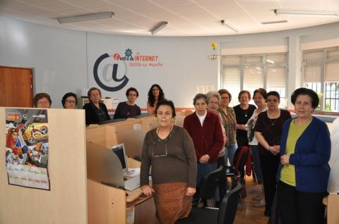 curso informática asociación viudas Santa Rita