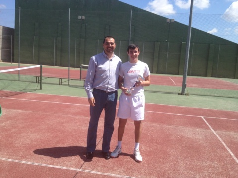 márter tenis, campeón y concejal